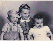 Evika. Gerhard a Klaus Neumannovi fotografie z roku 1943